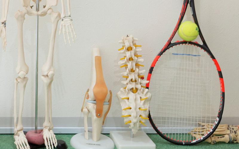 運動時の負荷が繰り返し加わって起こる怪我・障害です